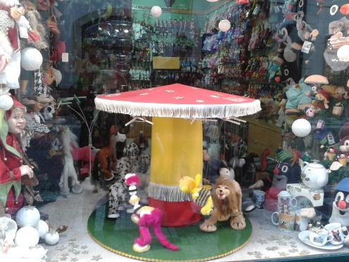 Mechanisches Puppenkarussel