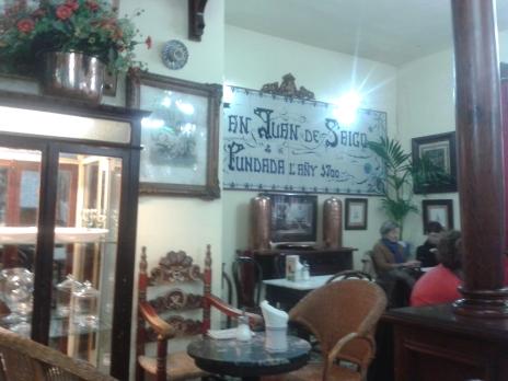 ...in bekanntestem Café Palmas