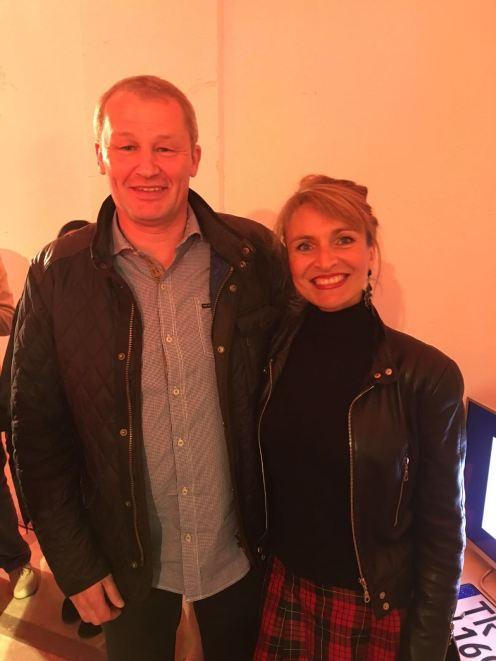 Die Moderatorin des Events, meine Gesangslehrerin, mit dem bekannten Designer Bernd Kussmaul...